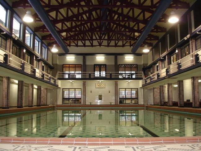 Helperzwembad te Groningen binnen Holstein Restauratie Architectuur